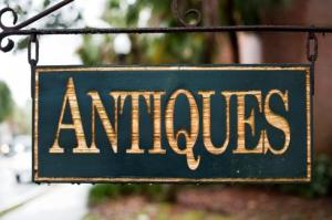 antiques sign490